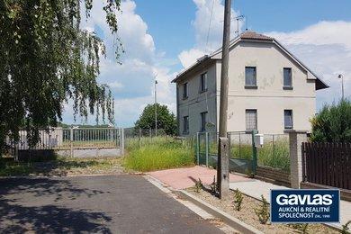 Objekt 184 m2 na rozlehlém pozemku 1672 m2 se zpevněnou asfaltovou plochou, Ev.č.: CSDD921-1