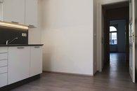 Kuchyň - pohled k chodbě