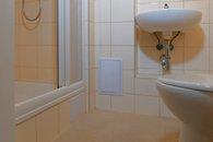 Koupelna - sprcha, umyvadlo, WC
