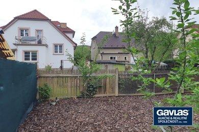 pozemky  769 m2 (dle územního plánu – zóna bydlení v RD) se stavbou trafiky, Ev.č.: CSDD321-1