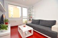 Moderní nadstandardně vybavený byt 2+1, 43m2, 4min chůze od metra Ládví