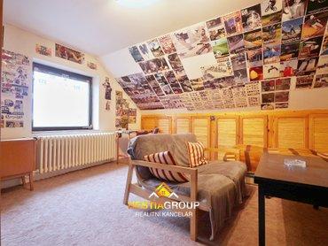 Podkrovní pokoj 2