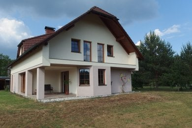 REZERVACE Velmi pěkný dům na krásném místě 5 km od Máchova jezera, Ev.č.: 00098