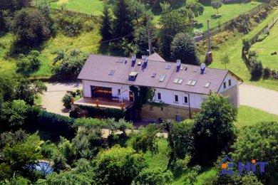 Vilový dům s bazénem - 735m2 v Českém ráji, Ev.č.: 00393