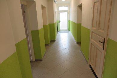Pronájem ordinace či kanceláře - 77m2 ul. Na Roli, Ev.č.: 00420