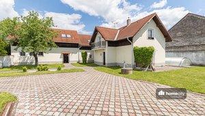 Prodej, dvou domů o rozloze 399m² - Sezemice - Velké Koloděje
