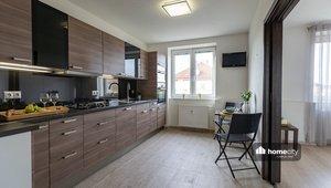 Prodej bytu 2+1, 62 m² - Pardubice - Zelené Předměstí