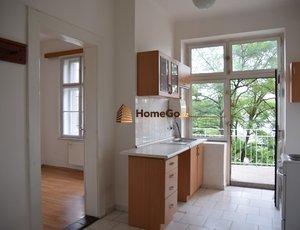 Dlouhodobý pronájem bytu 3+kk, velký balkon, okna jih zahrada, park Hostivař, ul. Hornoměcholupská