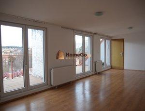 Dlouhodobý pronájem atypického podkrovního bytu 3+kk, okna jih do zeleně, mhd a vlak Nádraží Hostivař, Hornoměcholupská, Hostivařská