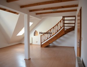 Dlouhodobý pronájem nového mezonetového bytu 2+kk, 2 x wc, 2 x koupelna, širší centrum Prahy, ul. SOUVRATNÍ