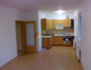 Dlouhodobý pronájem bytu 2+kk, novostavba, terasa, garáž, Praha 10 - Michle, ul. V dolině