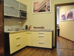 Dlouhodobý pronájem prostor s výlohou na kanceláře nebo prodejnu, přízemí, Vyšehrad, ul. Žateckých