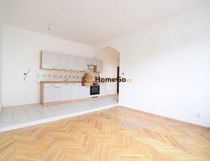 Dlouhodobý pronájem bytu 2+kk, metro Vyšehrad, nástup hned, pro jednoho nebo pár, min. na rok.