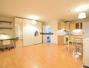 Dlouhodobý pronájem zrekonstruovaného otevřeného bytu 2+kk, pro jednoho nebo pár, ihned nebo od července, minimálně na rok