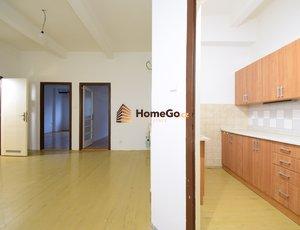 Dlouhodobý pronájem velkého bytu 3+kk, obývací pokoj, hala, dvě ložnice, metro Vyšehrad