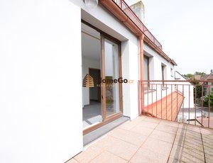 Dlouhodobý pronájem bytu 1+kk, terasa na jih, pro jednoho nebo pár, ihned nebo od července