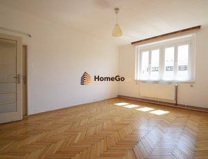 Dlouhodobý pronájem bytu 2+1, dva neprůchozí pokoje, pro dva spolubydlící