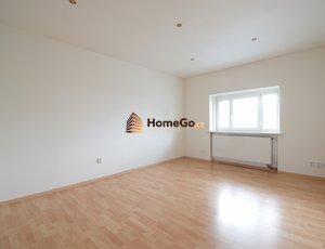 REZERVOVÁNO Dlouhodobý pronájem bytu 2+1, dva neprůchozí pokoje, od září nebo od října, pro dva spolubydlící nebo pro pár