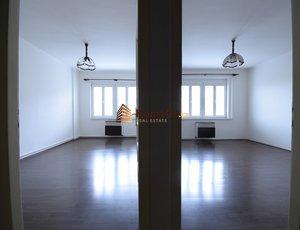 Dlouhodobý pronájem bytu 2+1, dva neprůchozí pokoje, od září nebo od října, pro dva až čtyři spolubydlící