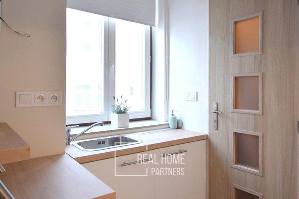 Prodej, Byt po celkové rekonstrukci, 1+kk, balkon, sklep, CP 18 m², Brno - střed
