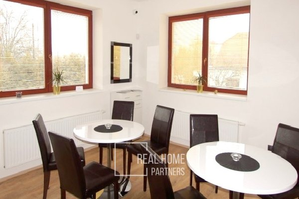 Pronájem komerční objekt 5+1, CP 228 m2, zahrada, garáž, Brno - Bystrc.