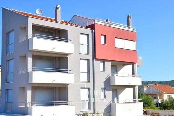 Prodej cihlový byt - apartmán v OV 2+kk 63m², s terasou a parkovacím stáním, Sukošan, Zadar, Chorvatsko