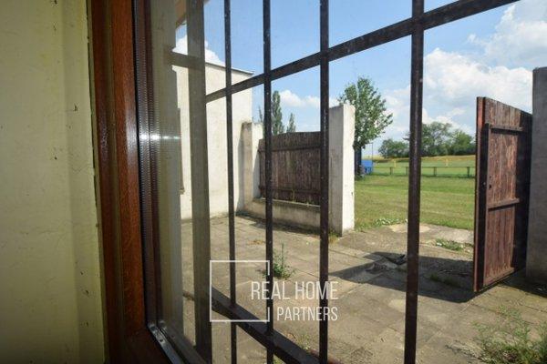 Prodej, komerční objekt, CP 470 m² + byt 2+kk Loděnice, Brno - venkov