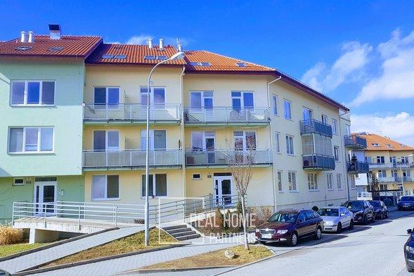 Pronájem bytu 1+kk s šatnou a balkónem, novostavba, CP 40 m2, Brno - Medlánky, ul. Hrázka