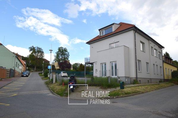 Prodej novostavba byt 2+kk, balkon, terasa, sklep, parkovací stání, CP 70 m², Brno - Bystrc
