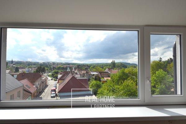 Prodej novostavba, komerční prostory, CP 111 m², 2 x sociální zařízení, 2 parkovací stání, sklep, Brno - Bystrc