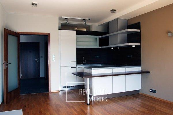 Pronájem, byt 3+kk, lodžie, klimatizace, parkovací stání, CP 64 m², Brno-střed
