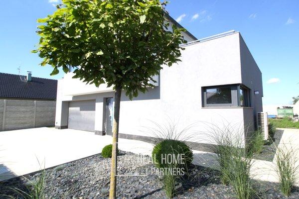 Prodej luxusní novostavba vila 5+kk, garáž, zahrada 795 m2, Kobylnice u Brna, Brno - venkov