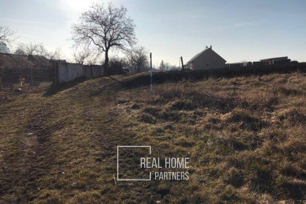 Prodej pozemku na bydlení v obci Borkovany, 2972 m2