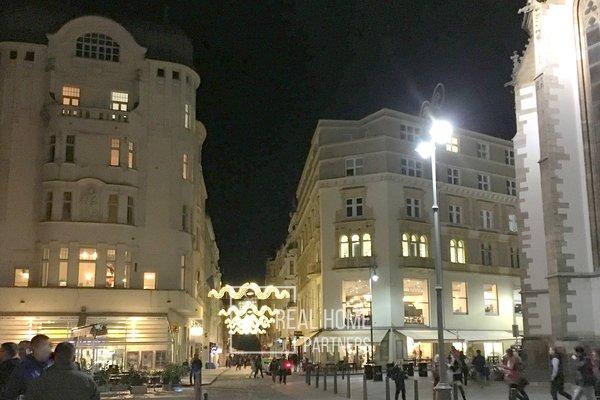 Pronájem, novostavba, byt  4+kk, klimatizace, 2 x balkon, šatna, CP 75 m² , Brno - střed, Jakubské náměstí