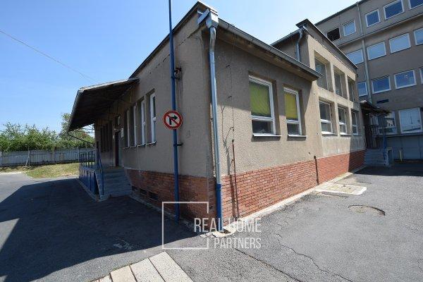 Pronájem skladového prostoru, CP 160 m², ul. Nádražní, Brno - Modřice