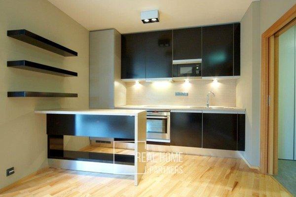 Pronájem, byt 3+kk, balkon, klimatizace, parkovací stání, CP 75 m², Brno-střed