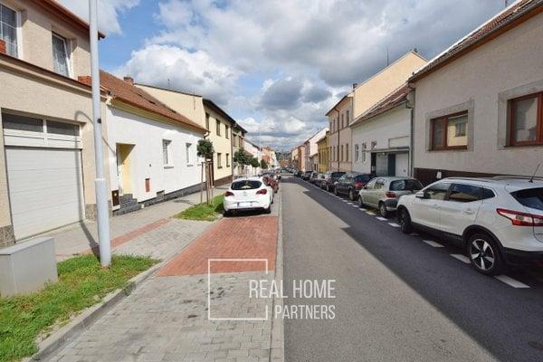 Prodej rodinného domu 8+2 s garáží a zahradou, CP 342 m², Brno – Královo Pole, ul. Vackova