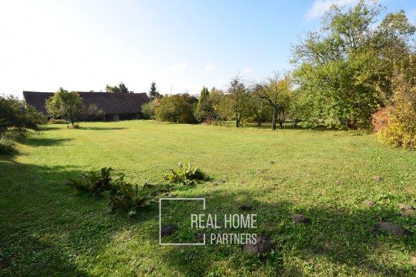 Prodej stavebního pozemku se stodolou CP 1.565 m², obec Křoví, okres Žďár nad Sázavou