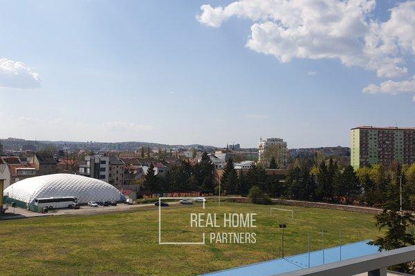 Prodej novostavby 1+kk s terasou, sklepem v novém projektu o výměře  56,1 m2