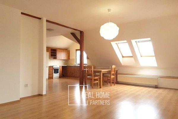 Pronájem cihlový mezonetový byt 3+kk, 93 m² s balkónem 7 m2, parkovacím stáním, Bílovice nad Svitavou, Brno - venkov