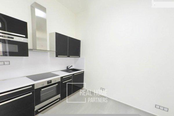 Pronájem, byt po rekonstrukci 1+kk, klimatizace, CP 31 m² , Brno - střed, Jakubské náměstí