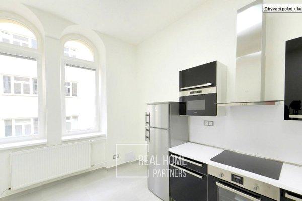 Pronájem, byt 1+kk, klimatizace, šatna, CP 28 m² , Brno - střed, Jakubské náměstí