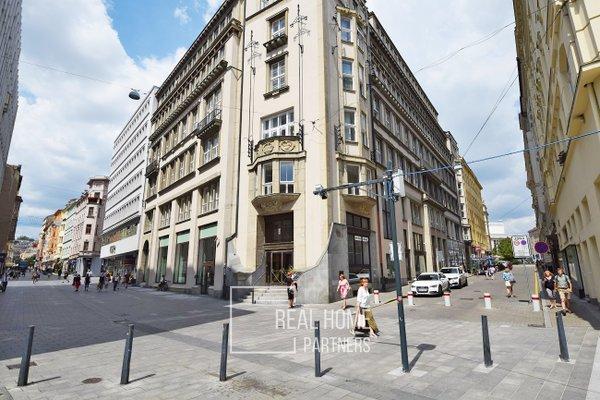 Pronájem reprezentativních kanceláří, CP 460 m2, Brno-střed, ul. Kobližná