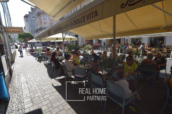 Pronájem zavedené cukrárny s kavárnou, CP 153 m2, Brno – střed, ul. Orlí