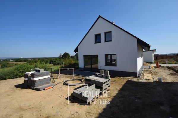 Prodej novostavby RD 5+kk s garáží a terasou, CP 333 m², Rajhrad, Brno – venkov