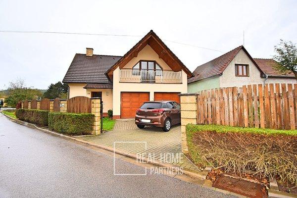 Prodej rodinného domu 242 m², pozemek 604 m², zastavěná plocha 148 m² - Česká