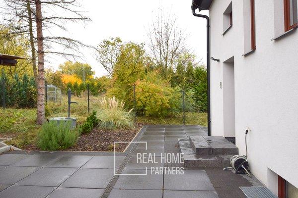 Pronájem dvougenerační dům 3+1 a 2+1, zahrada, garáž, CP 228 m2,  Brno - Bystrc.