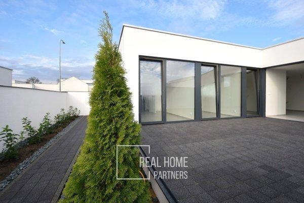 Pronájem, novostavba dům 4+kk, klimatizace, technická místnost, terasa, parkovací stání, Brno-Královo Pole – Sadová