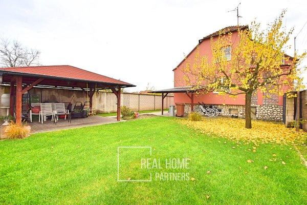 Prodej rodinného domu 240 m², pozemek 331m²  - Velké Bílovice