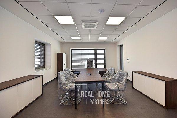 Pronájem kancelářských prostor, 563 m² - Nebovidy, Brno-venkov